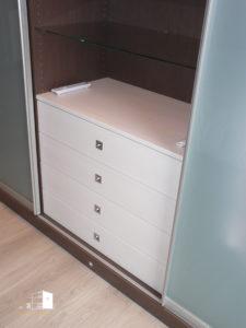 4 tiroirs menuisés finition ébénisterie